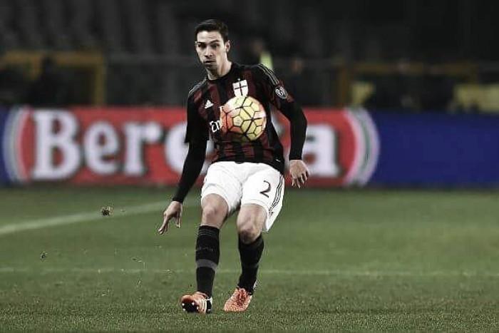 Agente de De Sciglio confirma permanência de criticado lateral no Milan