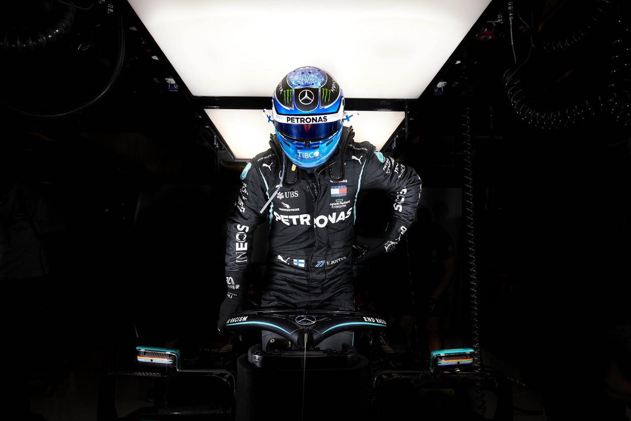 Valtteri Bottas antes de empezar los Libres 2: Fuente: Mercedes