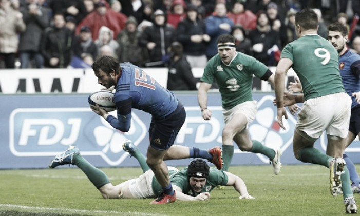 France 10-9 Ireland: Médard's late try keeps French Grand Slam hopes alive