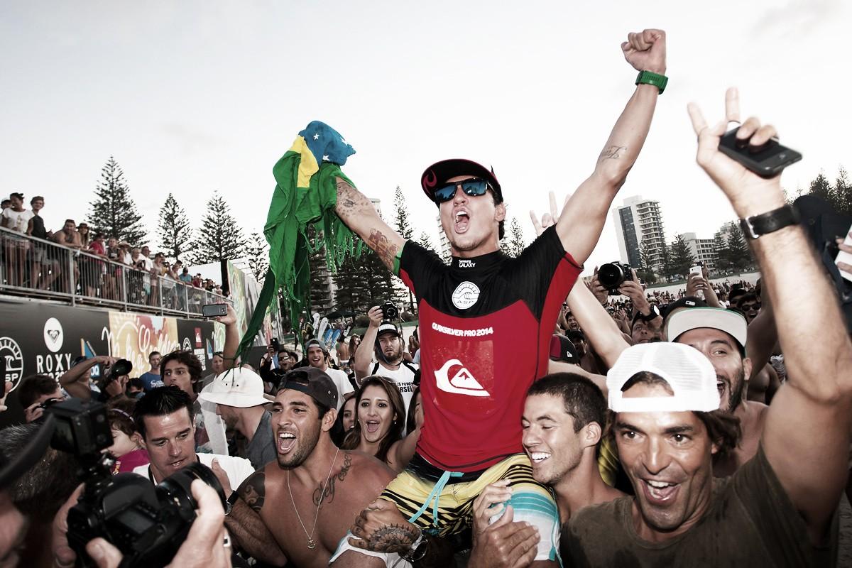 Recordar é viver: em 2014, Medina vira no fim e vence a etapa de Gold Coast