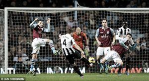 Aston Villa - Newcastle United: un triunfo, tres puntos, dos objetivos distintos