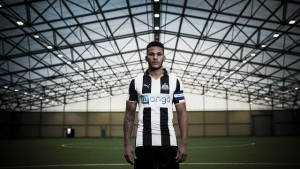 Lascelles named captain with Gayle being revealed as new number nine too