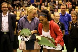 Caroline Wozniacki Defeats Serena Williams In Exhibition