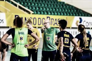 Seleção brasileira feminina de handebol é convocada com atletas experientes para Rio 2016