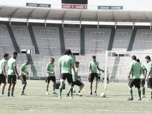 Em Córdoba, Coritiba busca reverter vantagem do Belgrano na Sul-Americana