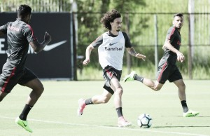 Internacional se reapresenta e mira confronto decisivo contra o Corinthians