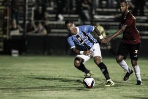 Atacante Barrios tem lesão constatada na coxa e desfalca Grêmio em dois jogos