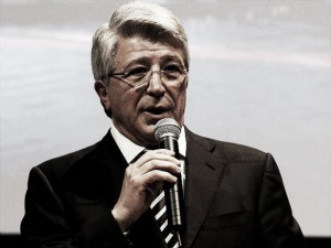 Presidente do Atlético de Madrid, Enrique Cerezo não descarta mudança no hino do clube