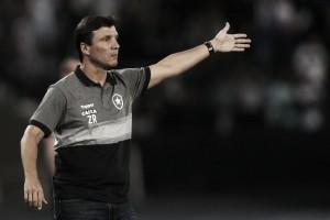 """Zé Ricardo reconhece queda de rendimento do Botafogo: """"Atlético poderia ter feito mais"""""""