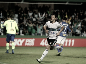 Em baixa no Coritiba, Kléber pode desembarcar no Fluminense