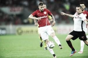 Guto Ferreira elogia e demonstra crença no futebol do atacante Nico López