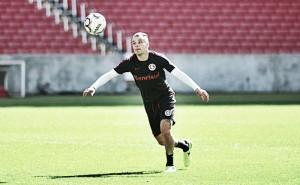 Guto Ferreira deve montar Inter com meias Camilo e D'Alessandro juntos diante do Guarani