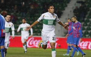Elche 1-0 Levante: Jonathas' early goal enough for the Otters to see off 10-man Levante