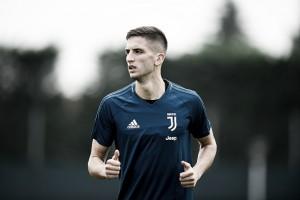 """Meia Rodrigo Bentancur faz inúmeros elogios à Juventus: """"É uma honra estar aqui"""""""