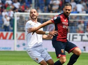Serie A - Spettacolo a Marassi: il Genoa si fa male da solo, la Fiorentina ne approfitta (2-3)