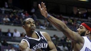 Brooklyn Nets, Philadelphia 76ers Swap Guards
