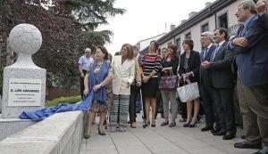 Hortaleza tributa la memoria de Luis Aragonés con un monolito y una placa