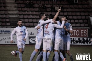 Fotos e imágenes del SD Compostela 3-0 Pontevedra CF de la jornada 24, Segunda División B Grupo I