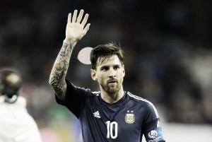 """Argentina, Messi ripensa all'addio, a svelarlo è un massaggiatore: """"Leo andrà ai mondiali del 2018"""""""