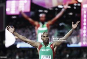 Mundiais de Atletismo: Nélson Évora saltou até ao Bronze