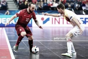 Europeu de Futsal: Ricardinho abanou a varinha mas Portugal diz ''adiós''