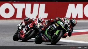 Superbikes, el particular juego de Kawasaki y Ducati