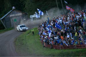 Latvala vence en Finlandia con un final de infarto