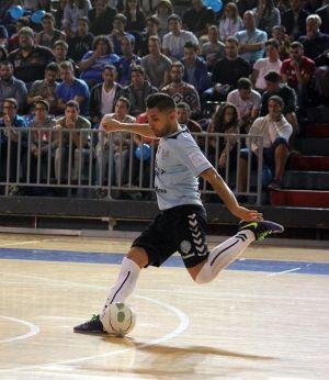 Víctor Suazo también deja el Uruguay Tenerife