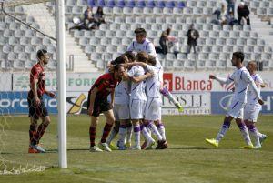 """Dani Torres: """"En Segunda B no se gana con el escudo"""""""