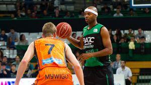 El FIATC Joventut despide la temporada con victoria ante el Valencia Basket