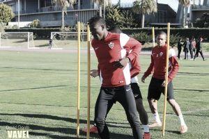 El viento condiciona el entrenamiento del Almería
