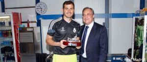 Casillas recibió un homenaje por sus 15 años en el Real Madrid