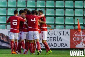 El Murcia supera a un Mérida que quiere pero no puede