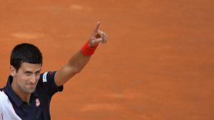 Roland Garros: bene Djokovic, fuori Nishikori