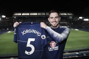 Chelsea anuncia contratação do volante Jorginho, ex-Napoli