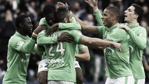 Saint-Étienne faz dever de casa e goleia lanterna Lorient na Ligue 1