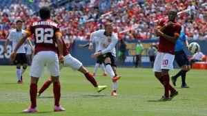 Lo United piega la Roma: 3-2 goal pazzeschi di Rooney e Pjanic
