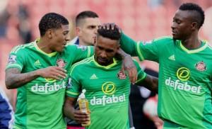 El Sunderland ataca en el último suspiro