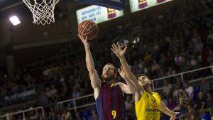 Budivelnik - Regal Barcelona: A ganar con buen juego