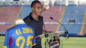 Nabil El Zhar abandona el Levante