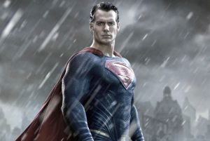 Henry Cavill litiga sobre su relación con Wonder Woman y Lois Lane