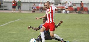 Aleix Vidal firma con el Sevilla hasta 2020
