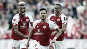 Em duelo movimentado, Mainz 05 vence Hamburgo e sobe na tabela