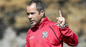 ¿Debe seguir Álvaro Cervera como entrenador del Tenerife?
