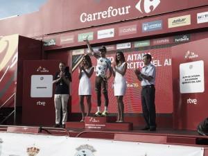 Latour alza los brazos en Aitana y Nairo Quintana gana la Vuelta 2016