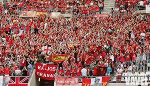 El Real Murcia regala abonos a sus fieles aficionados