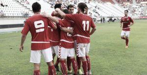 El Murcia gana de penalti en una tarde muy gris