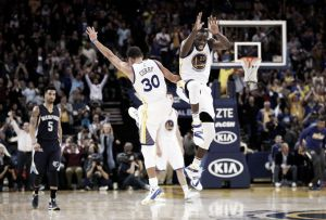 Resumen NBA: los Warriors arrollan a Memphis y siguen invictos