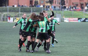 Partido reñido en el Díaz Vega y primera victoria de la temporada para el Oviedo Moderno