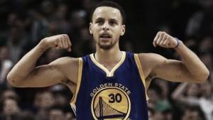 Curry brilla ante los Nets con 39 puntos